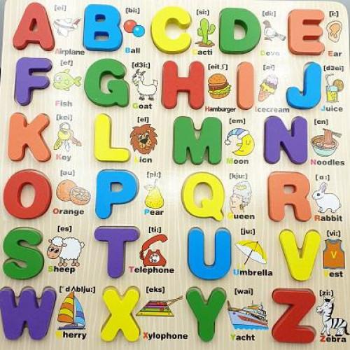 الحروف الانجليزية الخشبية مع كلمة وصورة